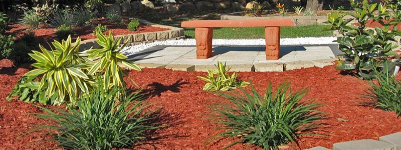 How to Mulch—And How Much Mulch to Buy